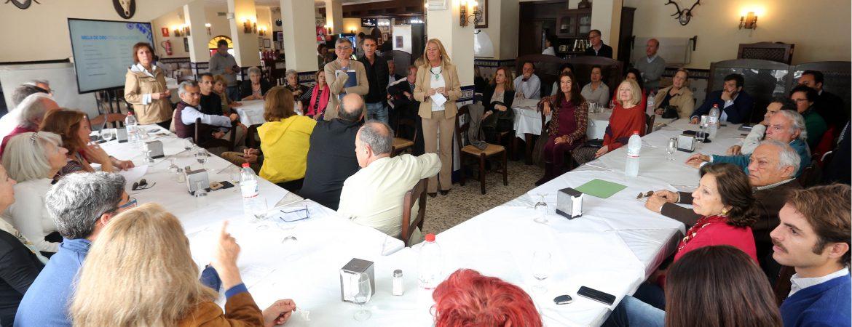 La alcaldesa informa a vecinos de la Milla de Oro sobre el desarrollo de las actuaciones destinadas a mejorar la seguridad vial y la accesibilidad en el entorno