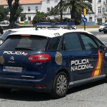 Tras un aviso a la Sala del 091  La Policía Nacional detiene a un hombre por el robo en un gimnasio tras forzar su acceso con un bolardo en Mijas (Málaga)
