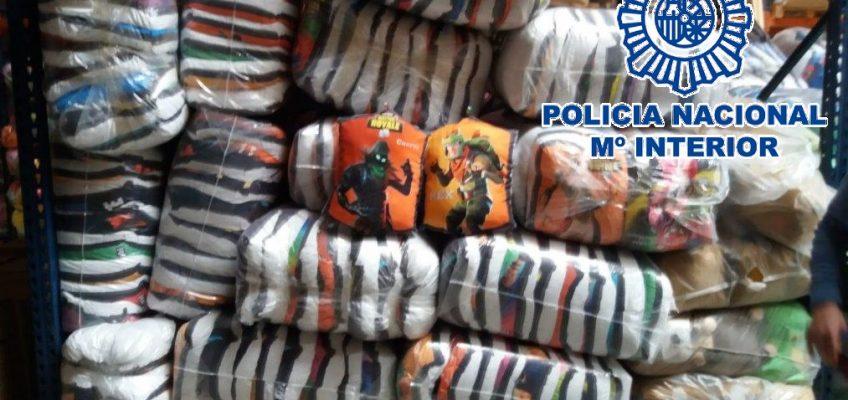 A raíz de la incautación de la Policía Local de Málaga de una veintena de almohadillas falsificadas en un puesto navideño