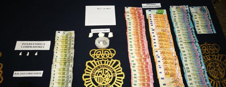 En la barriada de La Trinidad  La Policía Nacional desmantela uno de los puntos de venta de cocaína más activo de Málaga y detiene a su responsable