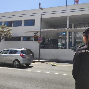 En Marbella (Málaga)  La Policía Nacional detiene a una joven de 19 años por publicar fotos íntimas del padre de su hija a través de Internet