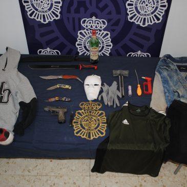 La Policía Nacional detiene a tres miembros de un grupo itinerante dedicado a robos en establecimientos