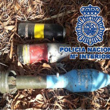 El explosivo ha sido destruido de forma controlada por los agentes especializados La Policía Nacional detona un artefacto explosivo antiguo hallado en un paraje natural de Marbella (Málaga)  En el trascurso del dispositivo han sido retirados otros tres artefactos