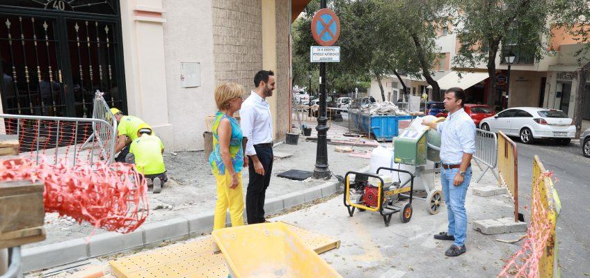 El Ayuntamiento impulsa la eliminación de barreras arquitectónicas con actuaciones de accesibilidad en Divina Pastora