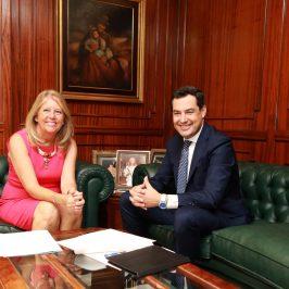 """El presidente de la Junta de Andalucía asegura que """"se ha abierto una nueva etapa en la relación con Marbella que va a permitir desbloquear las inversiones y proyectos pendientes"""""""
