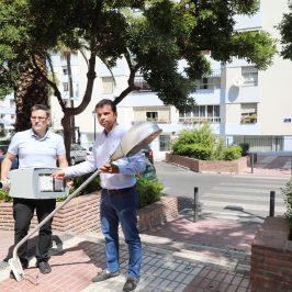 El Ayuntamiento instala 240 nuevas luminarias tipo LED en distintos barrios del municipio, que supondrán un ahorro anual de 20.000 euros por su eficiencia energética