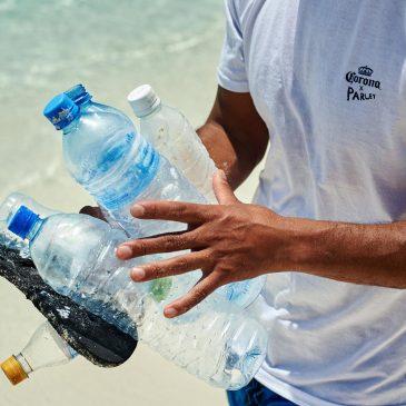 Llega a Málaga el proyecto #PROTECTPARADISE de Corona con el objetivo de limpiar de plástico la Playa del Cable