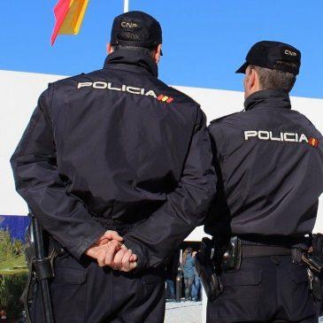 """En el aeropuerto Málaga-Costa del Sol (Málaga) La Policía Nacional detiene a dos """"mulas"""" que pretendían introducir en nuestro país más de 2.300 gramos de cocaína"""