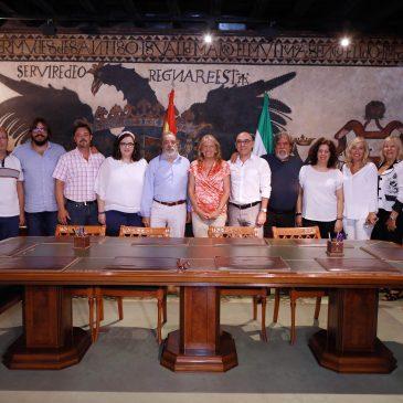 La alcaldesa recibe a la nueva Junta Directiva de la Asociación Cultural Carnavalesca Marbellí