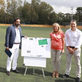 El Ayuntamiento emprende la sustitución del césped artificial y obras de mejora en el Campo de Fútbol 11 del Estadio Santa María de Las Chapas