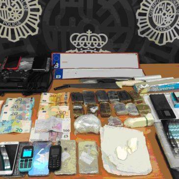 En la zona centro de Málaga La Policía Nacional desmantela un importante punto de tráfico de drogas y receptación de objetos de procedencia ilícita