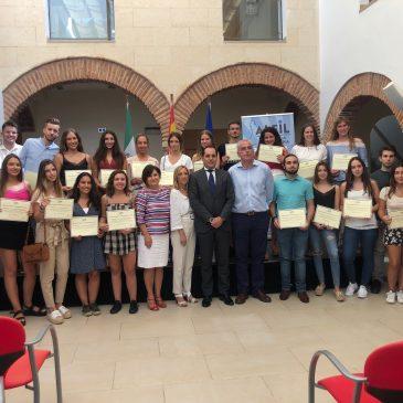 Grupo Alfil otorga por séptimo año 30 Becas de Alojamiento para universitarios de Marbella.