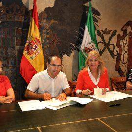 El Ayuntamiento renueva el convenio de colaboración con Cáritas con una dotación de 21.000 euros para su atención a embarazadas sin recursos ni apoyo familiar
